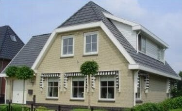 Huis met bakgoot 250