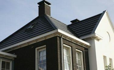 Huis met klassieke dakgoot